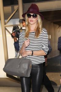 Rosie+Huntington+Whiteley+seen+LAX+Airport+khWnaRAvxCFl